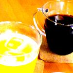 お茶会を開催しております。